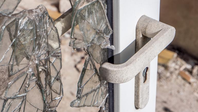 Broken-window-770.jpeg