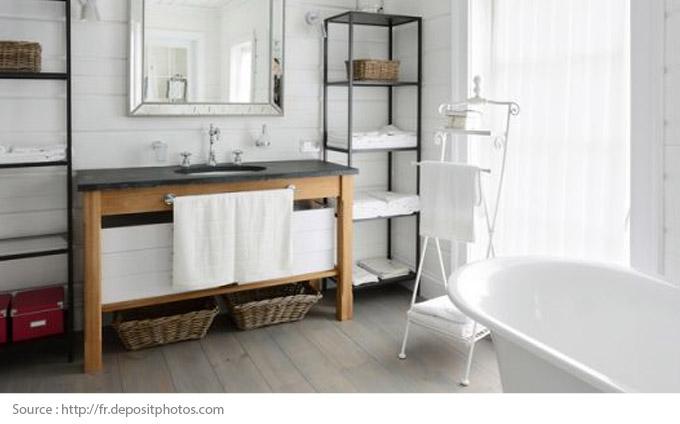 Comment mettre en valeur une salle de bains blanche? - 3