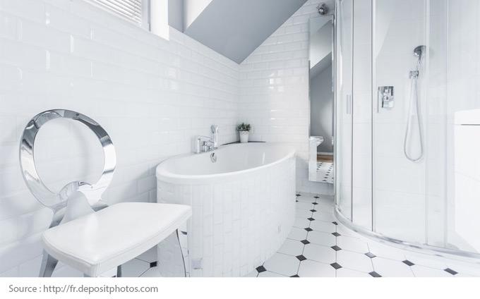 Comment mettre en valeur une salle de bains blanche? - 7