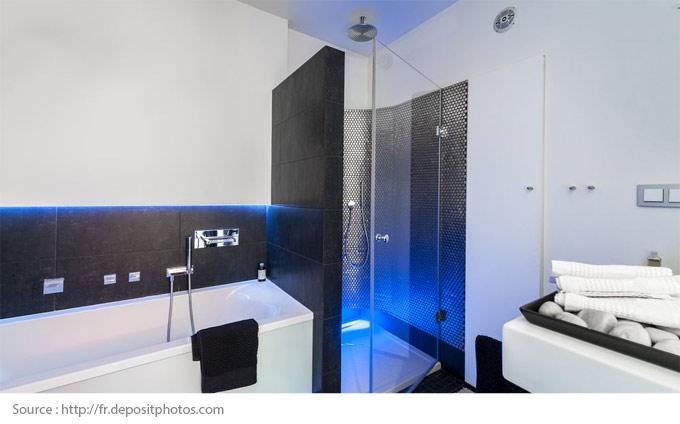 Comment mettre en valeur une salle de bains blanche? - 9