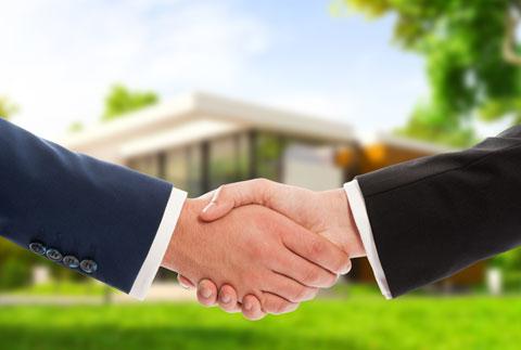 Votre courtier immobilier vous conseille pour acheter ou vendre une propriété.