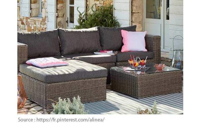 Outdoor Furniture: Wicker