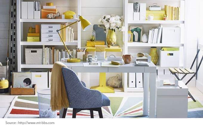 Bureau à domicile bien organisé