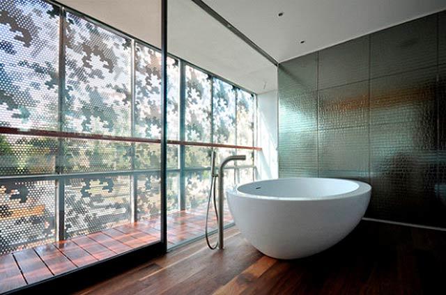 Grands carreaux de salle de bain