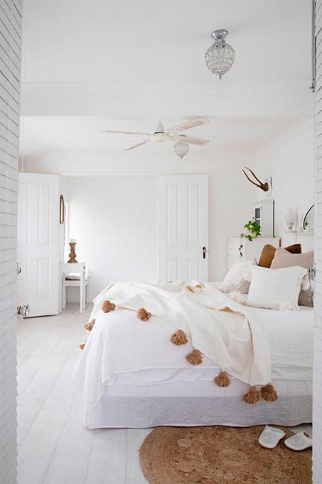 Chambre à coucher dans les tons de blancs