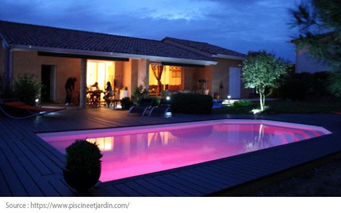 Éclairage piscine : projecteurs DEL
