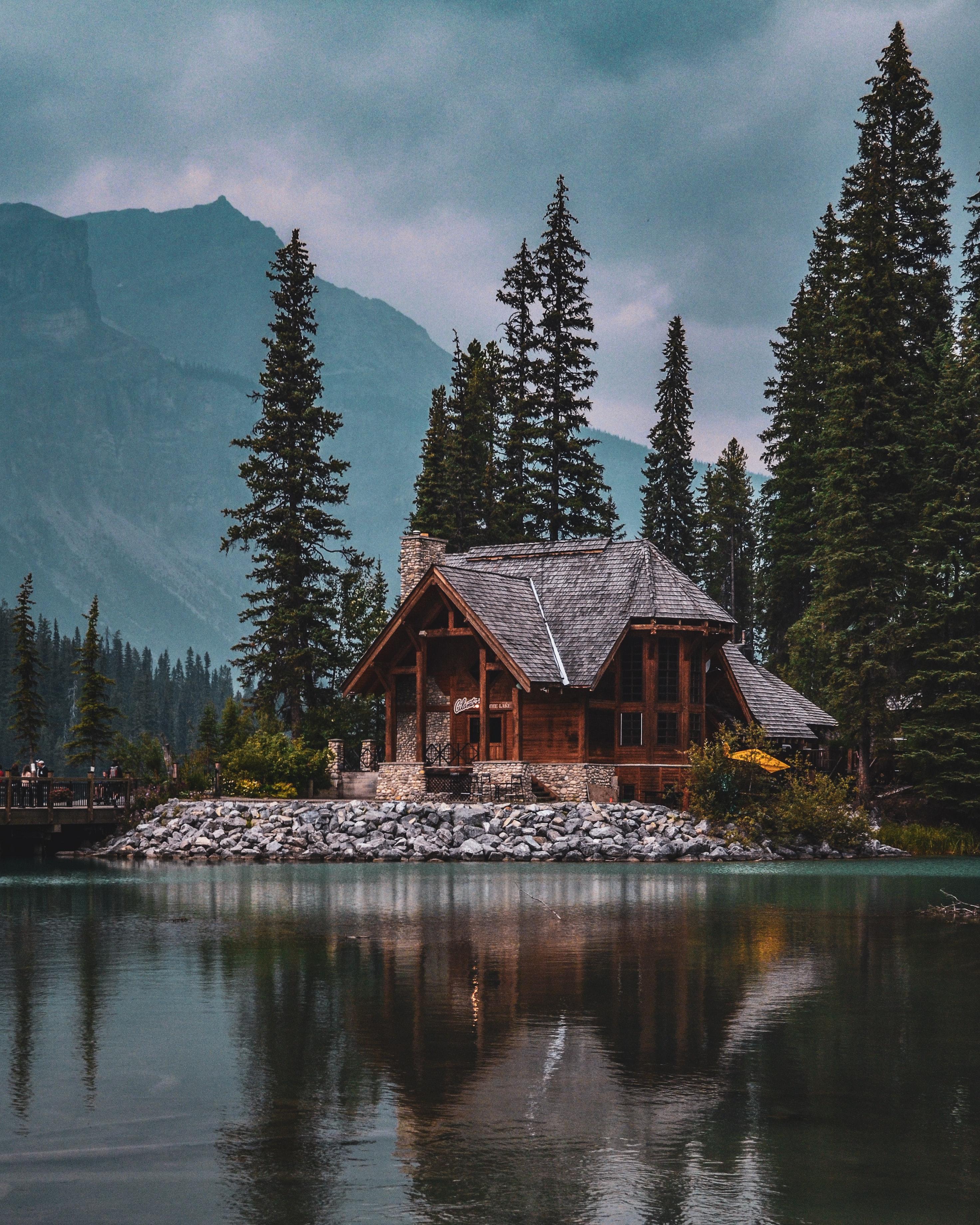 maison sur lac en Colombie Britannique