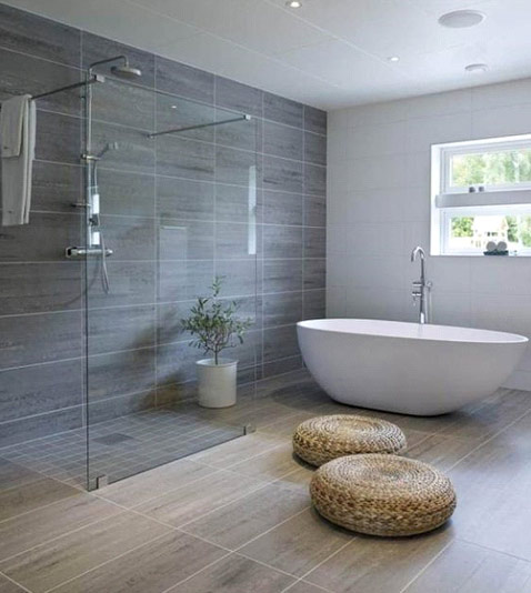 Bathroom - Choose between a shower or a bathtub